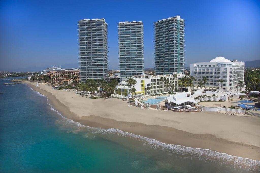 hilton puerto vallarta hotels on the beach