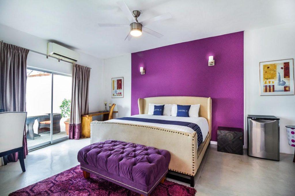 capital o hotel bedroom