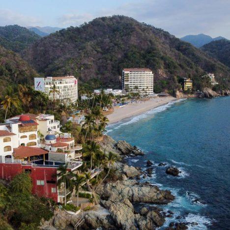 12 Stunning Puerto Vallarta Hotels on the Beach