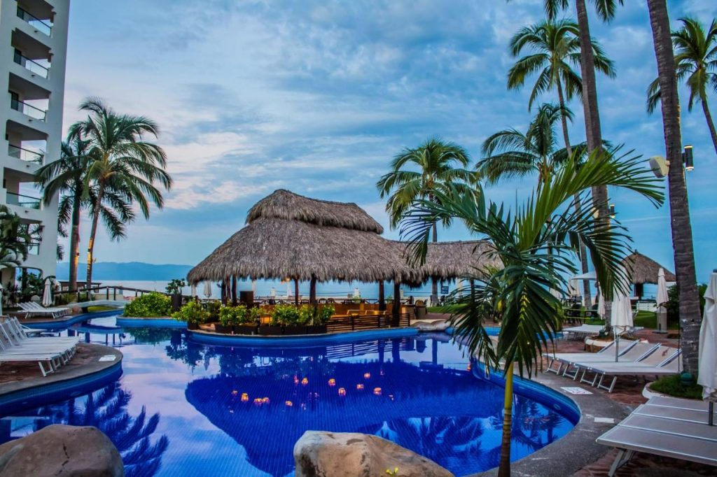 plaza pelicanos puerto vallarta family resorts