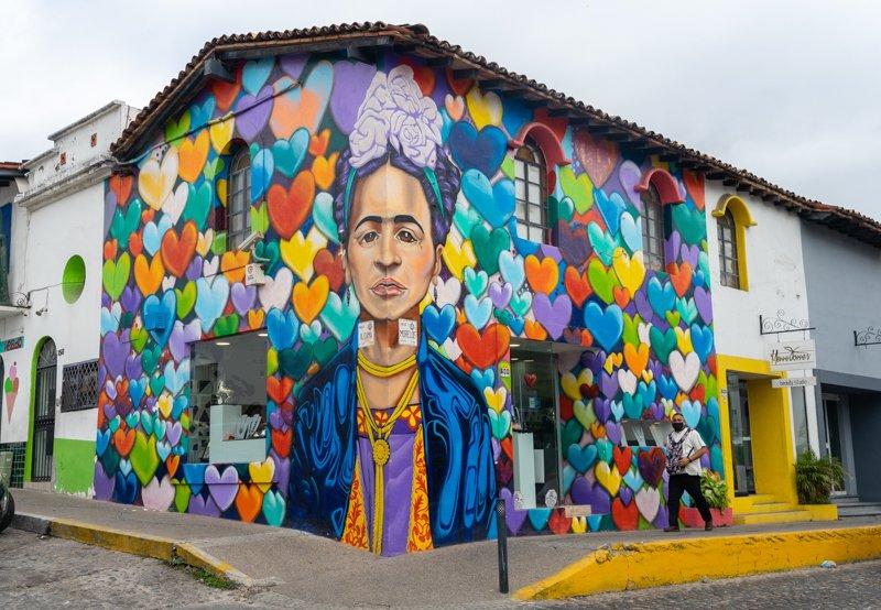 graffiti downtown puerto vallarta